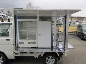 冷蔵ショーケース(100L)、冷凍ストッカー
